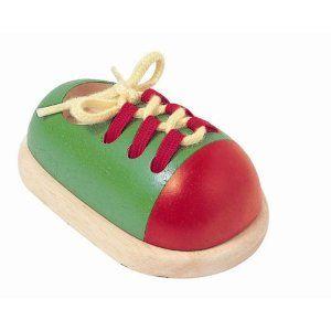 Chaussure en bois à lacer