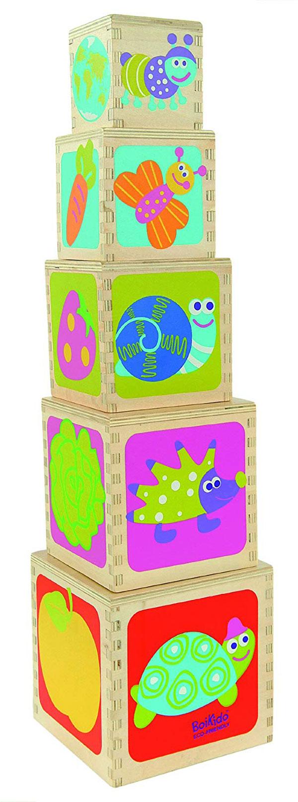 Pyramide de 5 cubes en bois